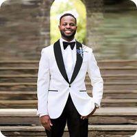 trajes de satén blanco al por mayor-Custom White Groom Tuxedos Trajes de Hombre para Trajes de Boda Hombre Blazers Satin Shawl Lapel Costume Homme 2Piece (Abrigo Pantalones) Flaco Terno Masculino