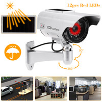 ev için ledli güneş ışığı toptan satış-Kukla Sahte IP Kamera Simülasyon Emulational Bullet CCTV Kamera Açık Ev Güvenlik Için LED Işık Ile Güneş Enerjili