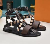 ingrosso signore sandali in rilievo-Europa e America perline sandali piatti signore estate 2019 nuove fibbie moda selvaggia piena casual