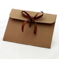 paquetes de invitación al por mayor-Sobre de papel de Kraft retro Invitación de la cinta Sobres para Navidad Regalos de Acción de Gracias Tarjetas de felicitación Invitaciones Anuncios Empaquetado