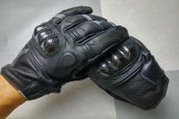 добрые перчатки оптовых-Оптово-ГОРЯЧИЕ ПРОДАЖИ Oanise кожа углеродного волокна мотоциклетные перчатки мото гонки перчатки рыцарь езда перчатки 2 вида цвета размер M L XL
