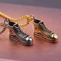 erkek moda kolye satışı toptan satış-Moda Sıcak satış Takı erkekler kadınlar kolye tasarımcısı kolye lüks ayakkabı kolye kolye altın / gümüş kutu zincir kolyeler