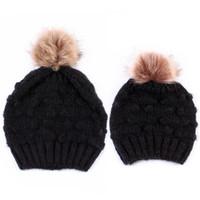 ingrosso cappelli a maglia di calcio bambino-2 pezzi / set Inverno Beanie Hats Knit Hat Fleece Crochet Warm Pom Matching Baggy mamma Baby Caps Mohair