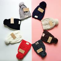 lüks tığ işi toptan satış-Avustralya Marka Yetişkinler Örgü Şapkalar UG Kış Sıcak Şapka Örme Ponpon Kasketleri Spor Kar Kayak Kapaklar Lüks UG Tasarımcı Tığ Şapkalar Kap B9403