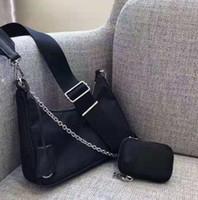diseñadores de bolsos de tela al por mayor-Diseño de lujo bolsas de nylon Riñonera tórax del monedero del bolso del partido de la tela de totalizador del bolso de la correa de mano Monedero paracaídas de tela bolsa de Crossbody del monedero