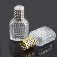yağ camı pompa şişesi toptan satış-30ml Esansiyel Yağı Parfüm Şişesi Temizle Cam Kare Izgara Tane Mist Pompa Seyahat Parfüm Difüzör Toptan İçin Şişe Sprey