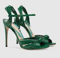 schwarze schnalle sandale großhandel-Mode Schuhe Frauen Catwalk Sexy Solid Black / Gold ein Wort Schnalle Party Offene Spitze Dünne Super High Heels Frauen Sandalen Freies Schiff
