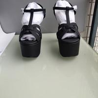 ingrosso grandi tacchi alti-Le scarpe da donna, i sandali, le suole decorative della perla di alta qualità, la tendenza avanzata della moda del tacco alto di stile europeo di beni di lusso
