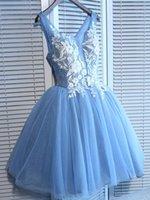 mavi çiçek şortu toptan satış-Sweety V Yaka A-Line Sky Blue Çiçek Gelinlik Modelleri Dantel Aplike İnciler Boncuk Bachelorette Parti Lace Up Kızlar için Kısa Elbise Örgün Elbise