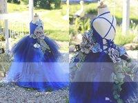 kleid mädchen tutu handgefertigt großhandel-Rayal Blue Flower Girl's Brautkleider Criss Cross Straps Tiered Tutu Girl's Abendgarderobe Handmade Flowers Applique Girl's Pageant Dresses
