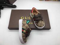 bebek erkek çocukları için stil ayakkabıları toptan satış-Yeni stil Bebek Ayakkabı PU Deri Birinci Walker Yumuşak Sole Yenidoğan Kız Erkek Spor ayakkabılar Bebek Prewalker Ayakkabı Sıcak Bebek Makosenler Ayakkabı