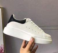 chaussures pour hommes occasionnels souples achat en gros de-Tout en cuir Hommes Femmes Plateforme Casual Chaussures De Luxe Designers Confortable En Cuir Doux Loisirs Hommes Mocassins Adultes Respirant Chaussures