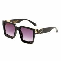 caja de medusa al por mayor-2019 nueva moda UV 400 Caja original Protección Italia Marca Diseñador Cadena de oro Tyga Medusa Gafas de sol Hombres Mujeres Caja de gafas de sol