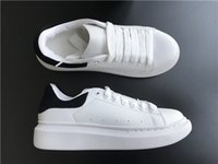zapatos de deporte casual transpirable al por mayor-Zapatillas de deporte de verano para mujer, zapatos casuales, transpirables, chaussures, zapatos de cuero blanco de Paris Hommes Muffin, zapatillas deportivas de cuero plano