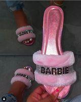 zapatillas de cristal plano al por mayor-Caliente rosa Hogar Moda pelo salvaje invierno de los deslizadores nuevo y brillante diamante sandalias femeninas 2019 flip-flop plana de cristal interior Zapatillas