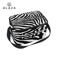 zebra cazibesi toptan satış-ALAZA Charm Zebra Desen Soğutucu Öğle Yemeği Çantası Taşınabilir Termal Uzun Siyah Kayış Piknik Fermuar Ile 201 İşlevli Çanta Öğle 2019