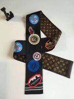 eski kutular toptan satış-Lüks tasarımcı ipek eşarplar klasik vintage bayanlar baskılı ipek eşarplar çanta için saç aksesuarları olarak kullanılabilir 8 * 115 cm 2019 sıcak satış