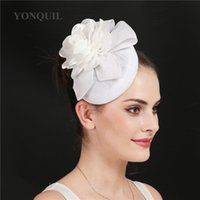 fascinators brancos para a noiva venda por atacado-Agradável ocasião branca do casamento fascinators chapéus mulheres elegantes acessórios de cabelo floral noiva casado headwear lindo chá headpiece headbands