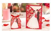 dekorationen für hochzeitseinladungen großhandel-1 satz Rot Luxus Flora Hochzeitseinladungen Karte Elegante Braut und Bräutigam Einladungskarte Favor Umschläge Hochzeit Dekoration