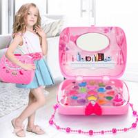 jugar maquillaje al por mayor-Los niños componen el juego de juguetes Juego de imaginación Princesa Rosa Maquillaje de belleza de seguridad no tóxico Kit Juguetes para niñas Vestirse Cosméticos Travel Box Q190530