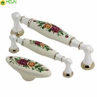 blumentür zieht großhandel-Weiße Keramikknöpfe Schubladengriff zieht Rose Blume Kommode Griff Küchenschrank zieht Türgriffe Möbelbeschläge