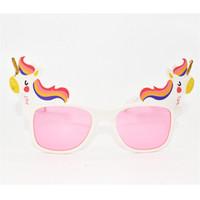 gafas de plástico de moda al por mayor-Unicornio Suministros de fiesta Cumpleaños Gafas divertidas Plástico Rosa Blanco Pony Modelado Portable Festival de los niños Gafas Moda Simple 5 5yD1