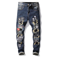 herren schädel hose groihandel-Top Qualität Herren elastische Embrioderie Schädel Mode Jeans Designer Männer Jeans Berühmte Marke Slim Fit Mens Printed Jeans Denim Pants 068