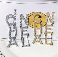 pendientes de plata de la moda de las mujeres al por mayor-Diseñador de lujo Cartas Pendientes Pendientes de la joyería de las mujeres con la perla cristalina para los colores de plata del oro del partido