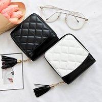 porte-monnaie achat en gros de-Nouveau femmes porte-monnaie Vintage ligne brodée frange Lingge noir et blanc contraste couleur femmes portefeuille porte-monnaie