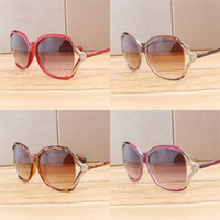 Wholesale flower sun glasses resale online - Hollowing Out Sunglasses For Women Flower Sunglass Big Metal Frame Classic Sun Glass Beach Ultraviolet Proof Red White Black ml D1