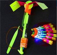 çocuklar paraşütle aydınlatma toptan satış-LED İnanılmaz Ok Uçan Helikopter Şemsiye paraşüt Çocuk Oyuncakları Uzay UFO LED Işık LED Ok Helikopter Noel Cadılar Bayramı Flaş Oyuncaklar