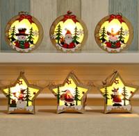 ingrosso ornamenti luminosi-LED Legno Chalet di Natale a sospensione in legno illuminato Stella rotonda struttura della lampada luminoso dell'albero di Natale ciondolo appeso decorazioni GGA2975