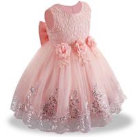 infantis bebê menina vestidos de aniversário venda por atacado-2019 verão infantil Baby Girl Dress Lace branco Baptismo Vestidos para meninas 1 ano de festa de aniversário de casamento roupas de bebê