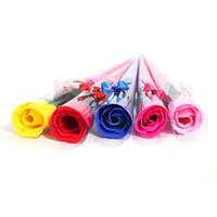 feuilletons pour hôtels achat en gros de-Artificielle Savon Fleurs Rose De Saint Valentin De Mariage Cadeaux De Fête De La Fleur De Cadeaux De La Maison Hôtel Décorations De Mariée De Bouquet De Mariée