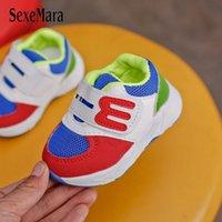 calzados infantiles rosa al por mayor-Zapatos recién nacidos deporte zapatillas de deporte infantil del bebé zapatos del Deporte de la venta caliente azul / beige / rosa infantil para niños zapatillas de deporte de los bebés B08233