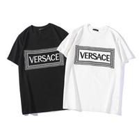 homens da camisa da marca do desenhador venda por atacado-19SS Designer Homens Camisa de Verão de Luxo Mens Tops T-shirt de Manga Curta Homens e Mulheres Casuais Marca Mens Roupas Tamanho S-2XL