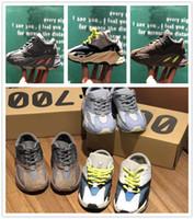 ingrosso solide scarpe per bambini neri-Scarpe da bambino Wave Runner Yeezy 700 Mauve Inertia Scarpe da corsa Kanye West Ragazze bimba Trainer 700 Gesso solido grigio Scarpe da ginnastica nere bambini Nere
