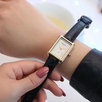 bayanlar için klasik deri izle toptan satış-REBIRTH Yeni Yaratıcı Vintage Kadınlar Saatler Bayanlar Kadınlar Için Rahat Deri Kuvars Saatı Saat reloj mujer