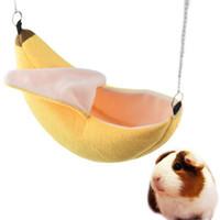 columpios de juguete al por mayor-Hamster Casa Colgada Hamaca Jaula Dormir Nido Mascota Cama Rata Hámster Juguetes Jaula Columpio Mascotas Banana diseño Animales pequeños