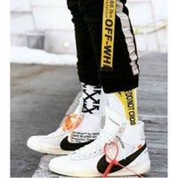 schwarze socken großhandel-Arrow Hipster Off Socken Streetwear Pride Hiphop Pirate Yellow Stripe Socken Schwarz Weiß Skate Unisex Black Tough