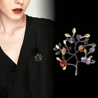 Wholesale vintage pin brooch for sale - Group buy High grade Gravel Christmas Tree Brooch Vintage Stone Palm Flower Clothing Coat Collar Lapel Pin Needle Women Accessories Gifts