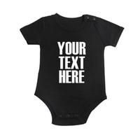 ingrosso immagini di abbigliamento per bambini-Personalizzato personalizzato con il tuo testo e / o immagini Un pezzo di vestiti per bambini Playsuit manica corta in cotone tuta Outfit Baby Creepe Y19050602