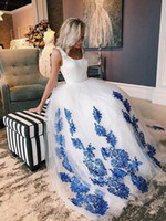 ingrosso abiti da cerimonia nuziale blu royal-Incredibile Royal Blue Lace Applique 2019 Abiti da sposa con cinghie Tulle African Designer Backless Wedding Dress Dress Abiti da sposa Nuovo