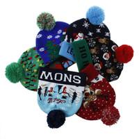 led, iluminado, natal, cervo venda por atacado-Liderados Natal Chapéus 6 cores malha Pom Pom Luz Xmas Gorros Crochet Chapéus de Inverno cervos Crânio Cap OOA7263