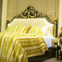 königin dovet set groihandel-5PCS Bettwäsche-Sets europäischen ägyptischer Baumwolle Stil Luxusmarke V Gold-Bettwäsche König Queen Size Bettbezug Bett Rock Kissen- Set