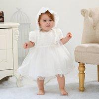 kleider für die taufe großhandel-Baby-Taufe Kleid mit Hut Spitze-Kurzschluss-Hülsen-Newborn Taufkleid Taufe Kleider der Mädchen-Prinzessin Kleid Brautkleid 0-18M