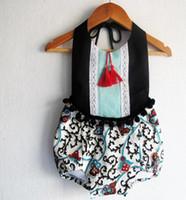 weißes burgund blumenmädchen großhandel-Sommer Baby Onesie neue Blume Pompon Quaste Mädchen Strampler Fashion Floral Kinder blau und weiß Porzellan Overall w1770