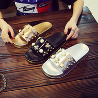 Wholesale cute slippers for girls resale online - Summer Beach Outdoor Slipper for Women Fashion Pearl Cute Bee Casual Sandals Girl Indoor Non Slip Slippers