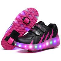chaussures de patinage achat en gros de-Heelys LED clignotant roller Skate Chaussures enfants Invisible Double Roues Garçon Fille Roller Skate Luminous Chaussures Sneakers Bottes