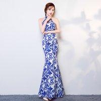 ingrosso blue fish tail dress-Costume tradizionale cinese lungo bianco e blu cheongsam coda di pesce coda sottile cheongsam cerimoniale abito costume